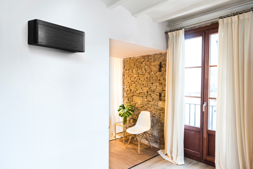 Air conditioning split system for one room